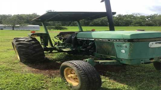 1986 JOHN DEERE 2750 Tractors