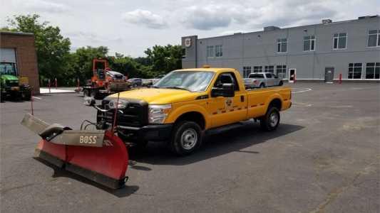 2011 FORD F350 XL Plow, Spreader Trucks Truck