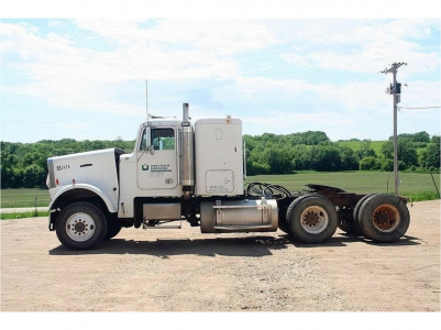 View 1985 FREIGHTLINER FLC120 - Listing #202518