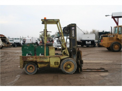 View CLARK ELECTRIC FORKLIFT - Listing #214927