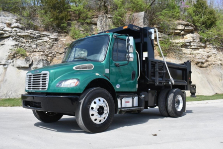View 2015 FREIGHTLINER BUSINESS CLASS M2 106 - Listing #280069
