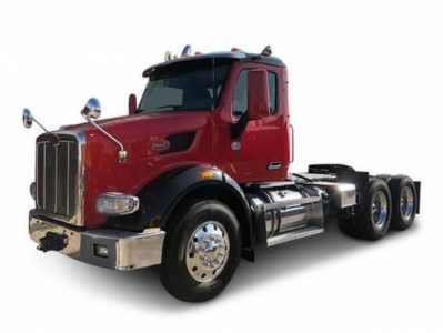 2015 PETERBILT 567 Day Cab Trucks Truck
