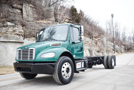 View 2015 FREIGHTLINER BUSINESS CLASS M2 106 - Listing #285939