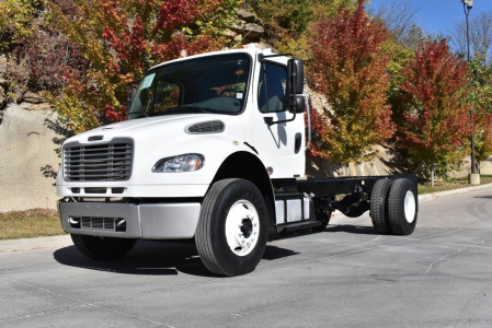 View 2014 FREIGHTLINER BUSINESS CLASS M2 106 - Listing #286126