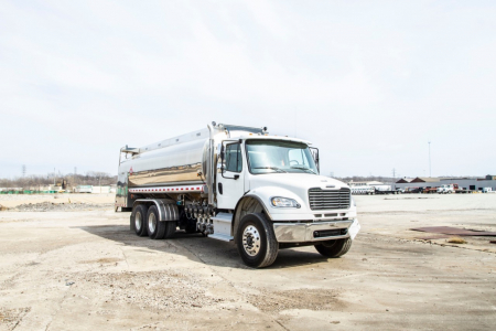 View 2019 FREIGHTLINER BUSINESS CLASS M2 106 - Listing #58443