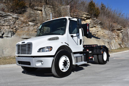 View 2019 FREIGHTLINER BUSINESS CLASS M2 106 - Listing #59339