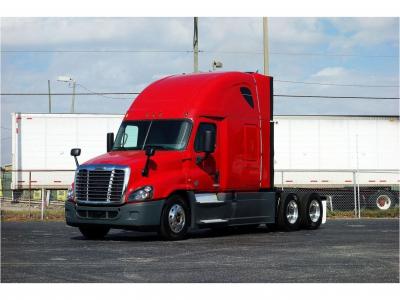 2016 FREIGHTLINER CASCADIA EVOLUTION Sleeper Trucks Truck