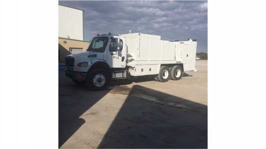 View 2011 FREIGHTLINER BUSINESS CLASS M2 106 - Listing #18681718